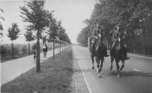 Geertzema Galtjo J J 1911 193_ Militair te Paard 03