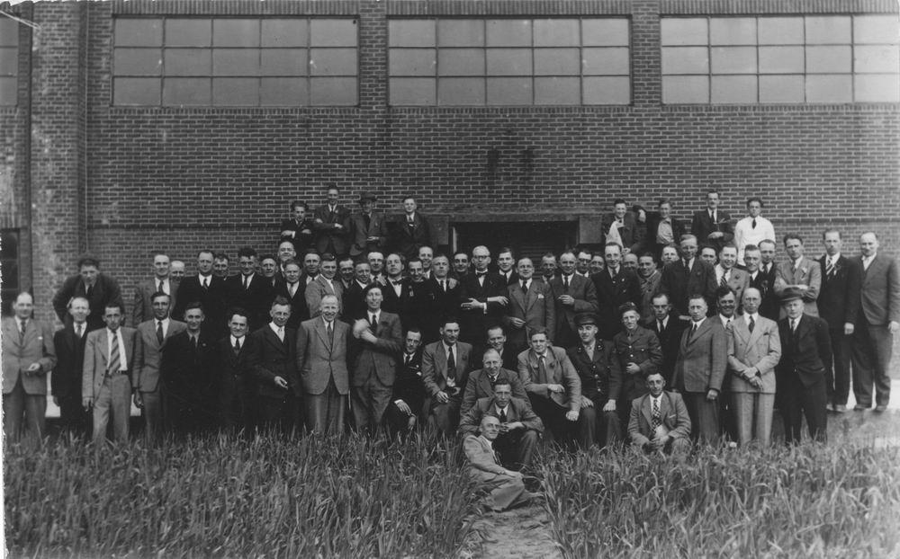 <b>ZOEKPLAATJE:</b>Geertzema Galtjo J J 1911 19__ in Grote Groep Mannen