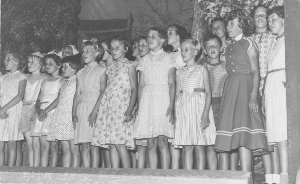 Geertzema Jan 1948 1957 feest Meester Loogman