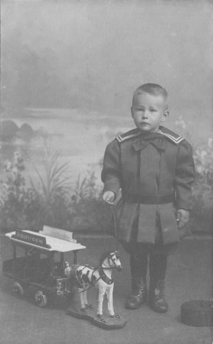 Geertzema Nicolaas Jan Galtjo 1907 Peuter bij Fotograaf