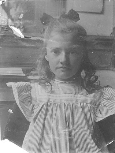 <b>ZOEKPLAATJE:</b>Godvliet Onbekend Meisje 19__ Portret