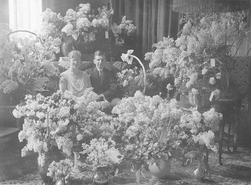 Graaf Koos de 19__ met vrouw Jeanne v Parijs Gdr