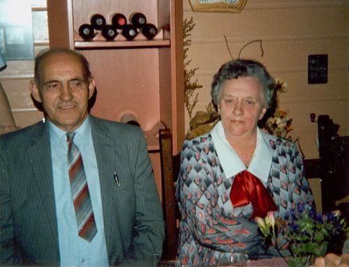 Groef Gerrit vd 19__ Huwelijksfeest in Royal 01