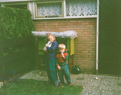 Groeneveld Chantal 19__ met broertje Maickel