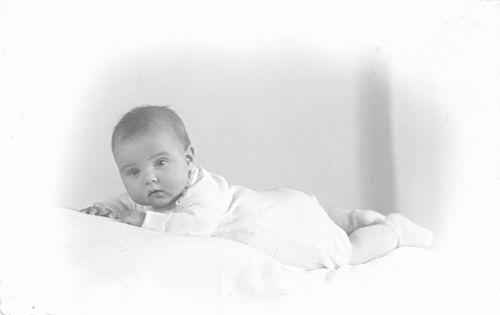 Groef Nel vd 1942 196_ Babyfoto dochter Els Witte 02