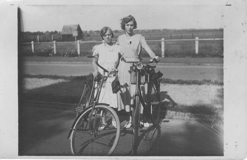 Groeneweg Griet 1933 op de Fiets met Jaan Stieva