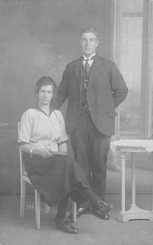 Groenigen Alida J 1901 19__ met man Piet vd Ent
