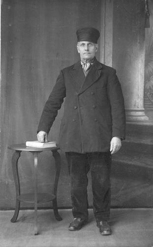 Groenigen Cornelus Jan 1858 19__ bij Fotograaf