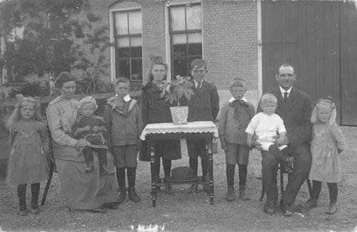 Groenigen Jan v 1921 Gezinsfoto
