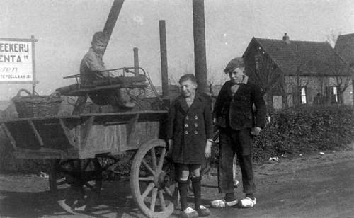 Grote Poellaan 0029 1940 met Klaas Mantel Jr op Paard en wagen