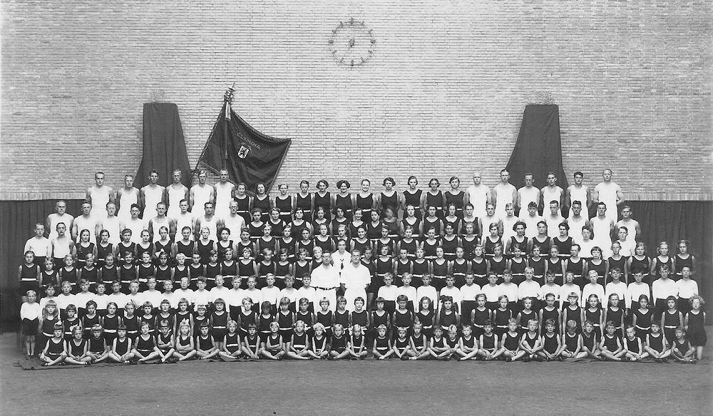 Gymnastiek Vereniging Olympia 1930 met Henk Hoogeveen