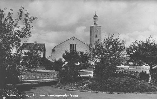 Haeringenplantsoen 0001 1965 Geref Kerk en Plantsoen