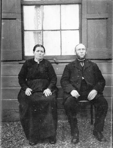 Heuvel Gerrit vd 1869 19__ met vrouw Marretje Muis