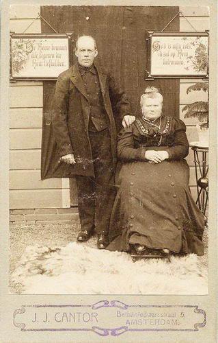 Heuvel Matthijs Lzn vd 1838 1910 met vrouw Maria Rikaart