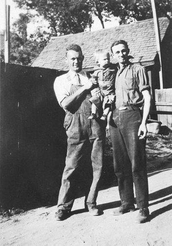 Smit Gerrit 19__ zoon Matthijs met diens zoon William