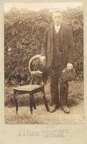 Heuvel Matthijs Gzn vd 1893 19__ bij Fotograaf Cantor Adam