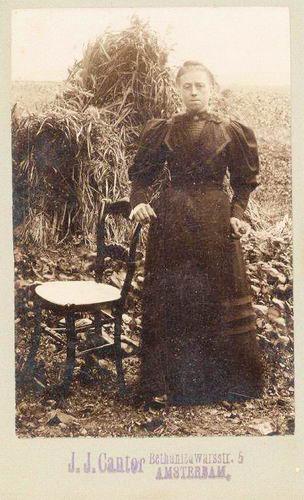 Heuvel Maria Mdr vd 1872 19__ door Fotograaf Cantor Adam
