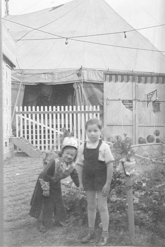 Hmeer 1955 100jr Gemeente Liliputtercircus 02