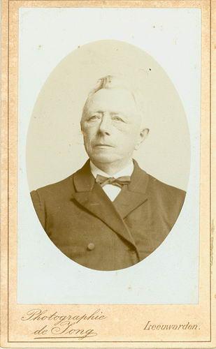 <b>ZOEKPLAATJE:</b>&nbsp;Veen Johannes K van der 1875 19__ Portret Onbekend Familie 02