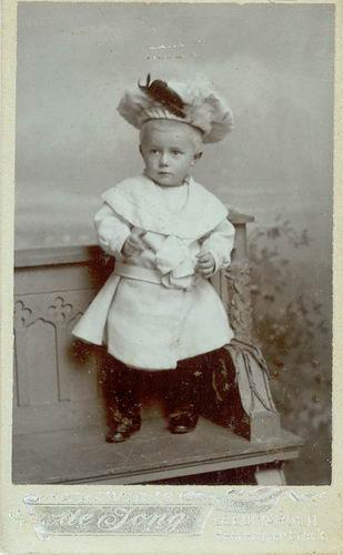 <b>ZOEKPLAATJE:</b>&nbsp;Veen Johannes K van der 1875 19__ Portret Onbekend 04