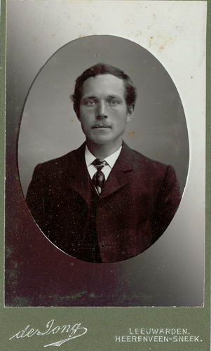 <b>ZOEKPLAATJE:</b>Veen Johannes K van der 1875 19__ Portret Onbekend 07