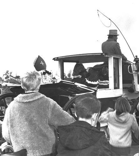 Hoofddorp 1969 bij Intocht Sinterklaas 01