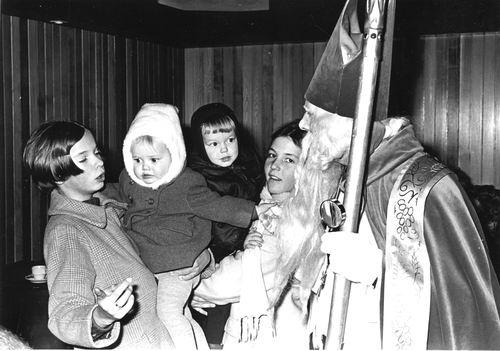 Hoofddorp 19__ bij Intocht Sinterklaas 02