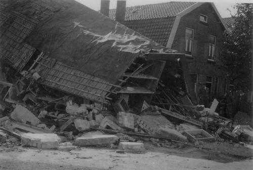 Hoofdweg O 0662 1941 Bominslag 02_2
