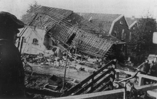 Hoofdweg O 0662 1941 Bominslag 03_2