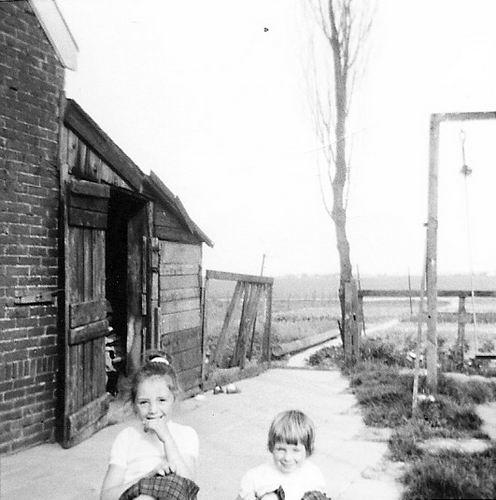 Hoofdweg O 1086 1968 met Gezusters de Rijk