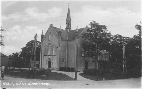 Hoofdweg O 1320 1943 NH Kerk 02