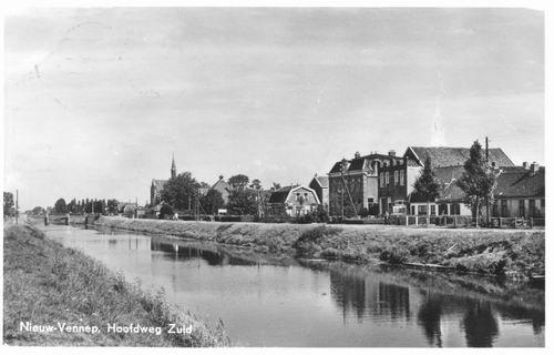 Hoofdweg O 134_ 1951-55 kruising Kerkstraat Toren weggemaakt