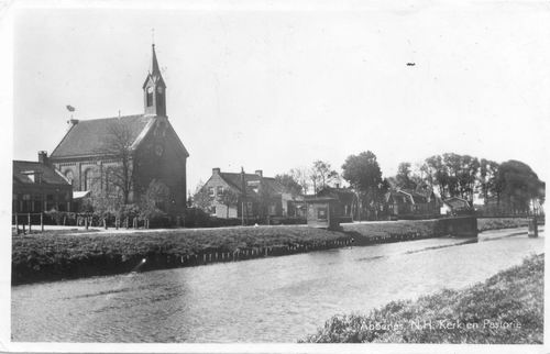 Hoofdweg O 1764 1949 NH Kerk met pastorie