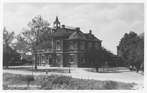 Hoofdweg W 0671 1951 Raadhuis met Hokje