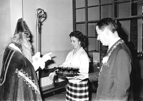 Hoofdweg W 0671 1964 Intocht Sinterklaas 05