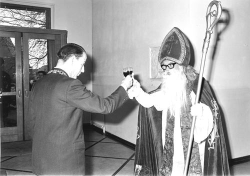 Hoofdweg W 0671 1964 Intocht Sinterklaas 06