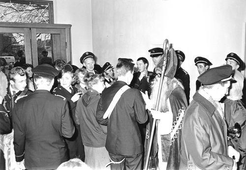 Hoofdweg W 0671 1964 Intocht Sinterklaas 07