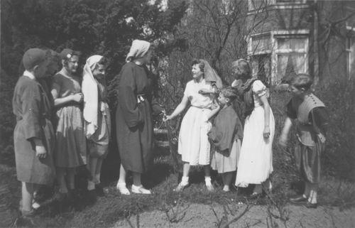 Hoofdweg W 0691 1952 Paasspel bij Doopsgezinde Kerk