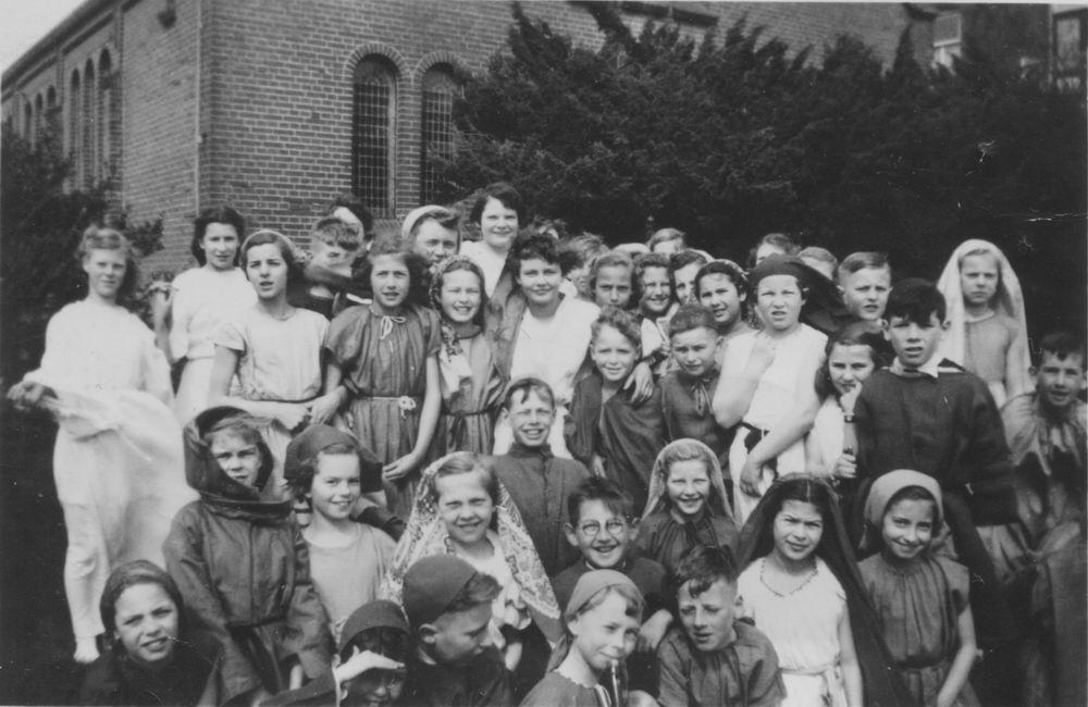 Hoofdweg W 0691 1952 Paasspel bij Doopsgezinde Kerk 02_2