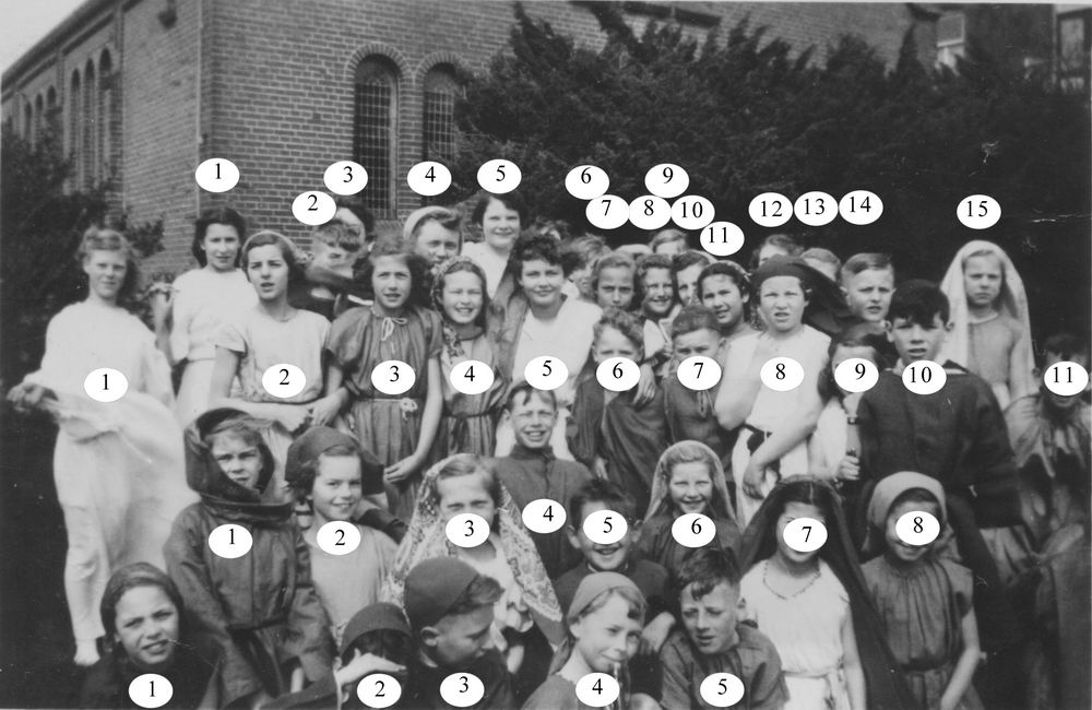 Hoofdweg W 0691 1952 Paasspel bij Doopsgezinde Kerk 02_2_Index