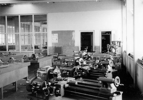 Hoofdweg W 0709 1960  LTS Lokaal Machinebankwerken