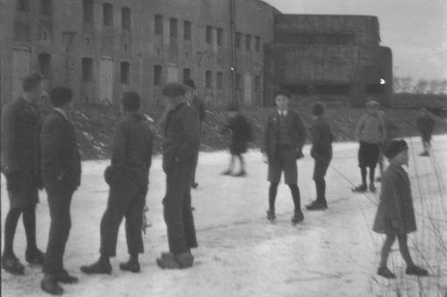 Hoofdweg W 073_ 192_ Fort Schaatsen bij Fort 02