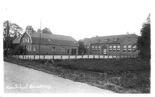 Hoofdweg W 1151 193_ Hervormde School Fotokaart