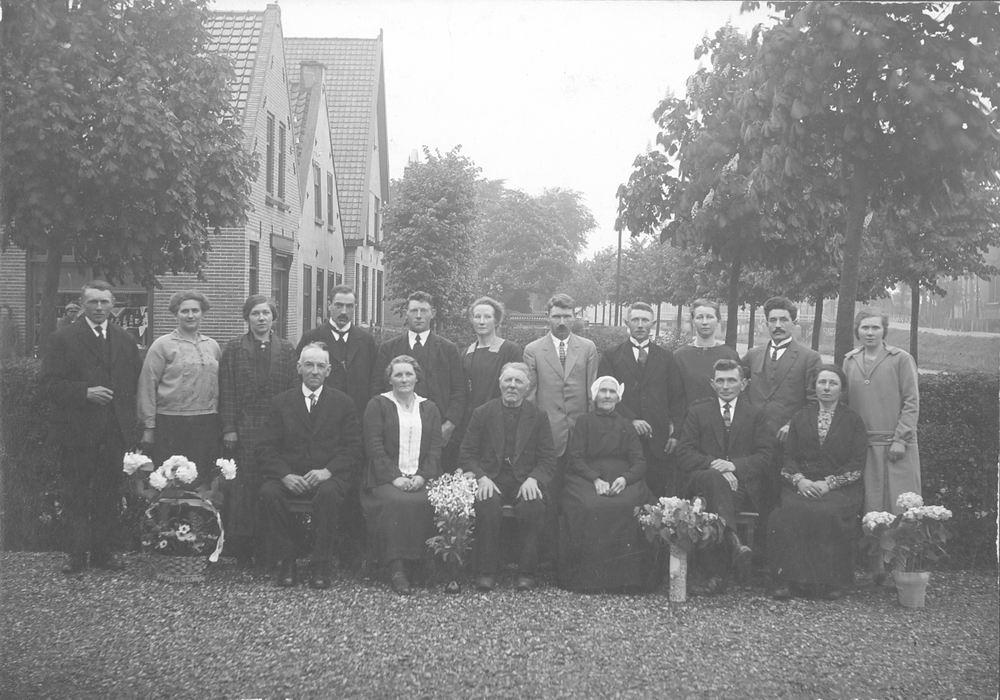 Hoofdweg W 1195-1189 192_ met fam Hendrik de Ruiter