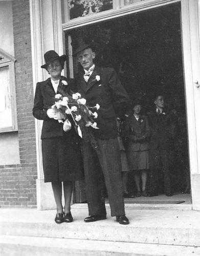 Hoogdalem Riemke v 19__ trouwt Jo Deddens 02