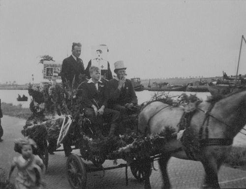 Huigsloterdijk 0390 1946 Bevrijdingsoptocht WOII met Jacob Rip 02