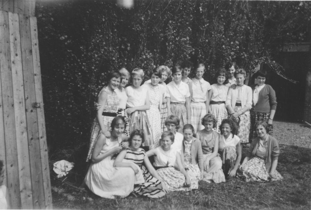 Huishoudschool Hoofddorp 1959 met Ans Kaslander