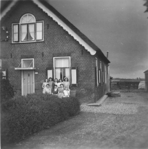 IJweg O 1624 19__ Boerderij fam Weststeijn-v Elderen_Re-exp