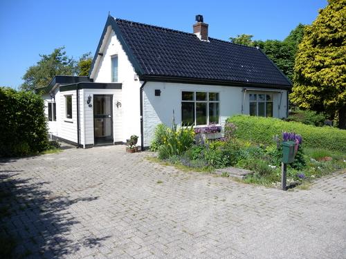 IJweg W 0381-379 2010 Huizen