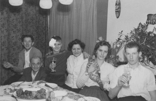 Imanse Iem Sr 1957 met Buren vd Kommer